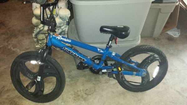 Tony Hawk Domino HuckJam Series BMX 18 in. Bike-Bicycle Boys - $35 (NE San Antonio)