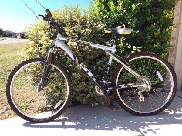 GT Aggressor Mountain Bike - $95 (san antonio)