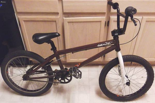 Specialized Fuse Two BMX bike, 3 pc Crank, 20 in Wheels, TT 20.5 - x0024169 (Nacogdoches Higgins Stahl Rd)