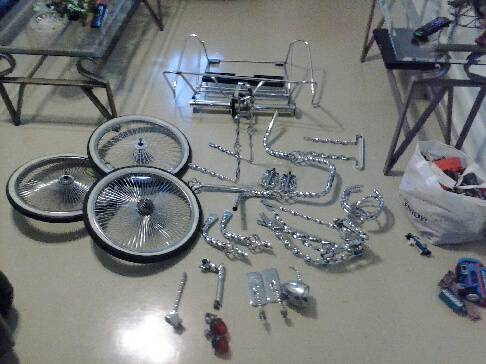 Parts for a lowrider bike$$ - $400 (zarzamora)