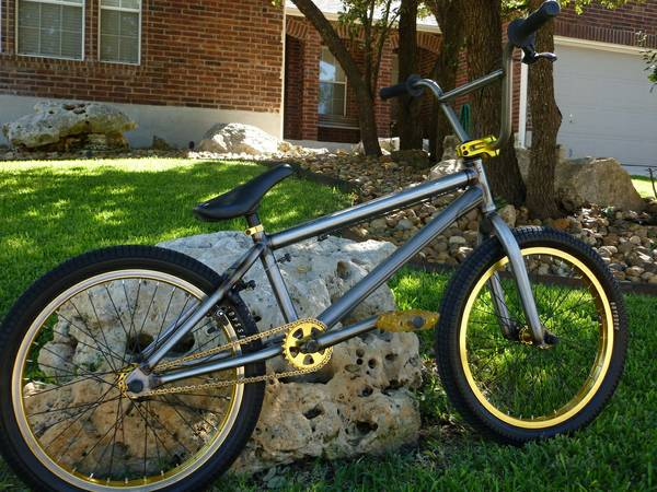SUNDAY BMX DJ DIRT JUMPER EASTON BARE GOLD 20.8 TT - $425 (281 1604)