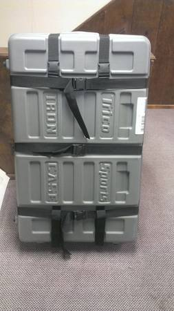 Trico Sports Iron Case - EXCELLENT Condition - $250 (Olmos Park)