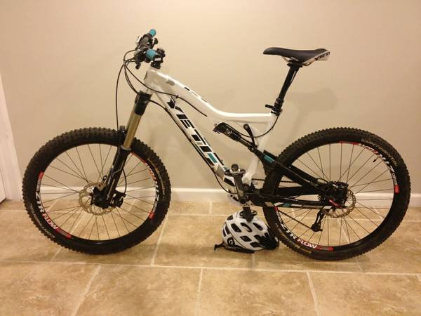 Stop before you go to the bike shop Brand new YETI 575 with complete XT, Fox - $2200 (Medical Center)