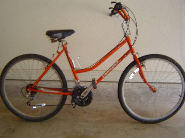 Vintage Womans DiamondBack Fleet Streak 12 speed - $100 (San Marcos,Texas)
