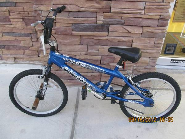 Mongoose Stike blue boys bike w pegs (2581.1) - $30 (babcockdezavala)