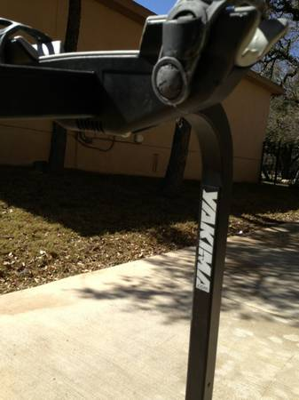 Yakima swing out SUV bike carrier - $175 (Boerne )