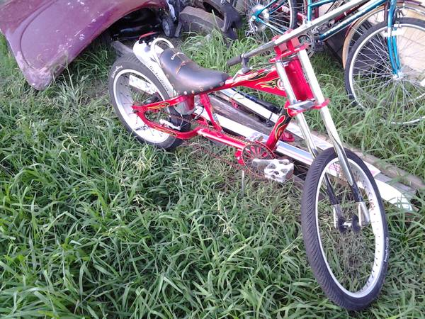Schwinn Stingray Chopper Bike - $80 (San Antonio )