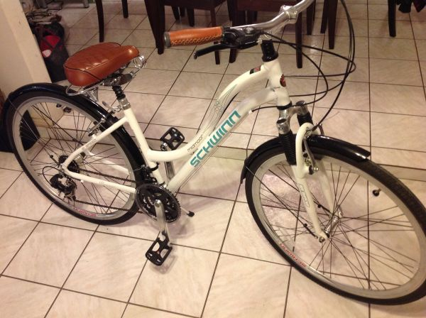 Schwinn Ladies Hybrid bike - $175 (South side )