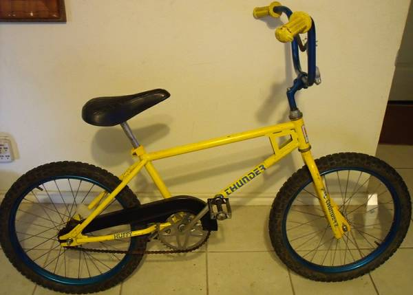 1981 Pro Thunder bike (genuine old school bmx) 2 more matching bikes - $149 (Schertz 78154)