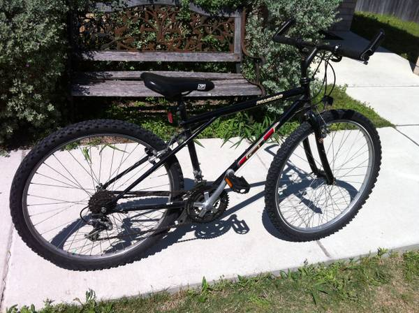 GT Mountain Bike - Palomar - $125 (New Braunfels)