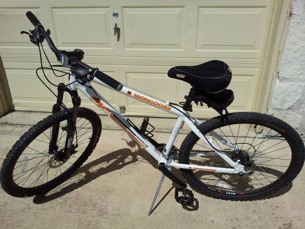 Mongoose Pro mountain bike 24 speed disc brakes - $300