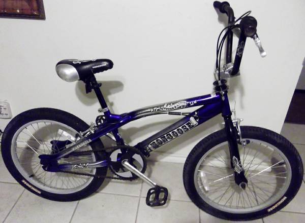 Mongoose BMX freestyle bike with Gyro, frt n rear brakes, 20 in wheels - $65 (Schertz 78154)