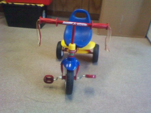 Fold N Go Tricycle by Radio Flyer - $20 (410 Perrin Beitel)