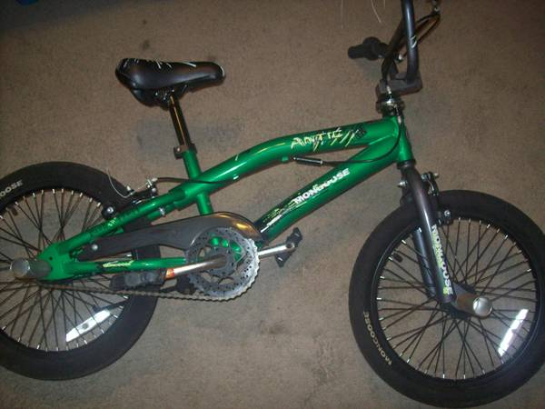 Mongoose 18 inch Boys Freestyle Bike - $45 (I-10 and Huebner)