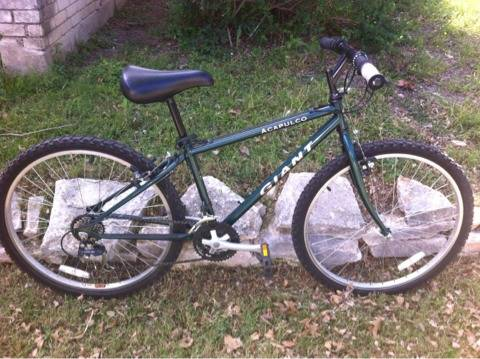 Giant Acapulco Mountain Bike Nice - $100 (NE San Antonio)