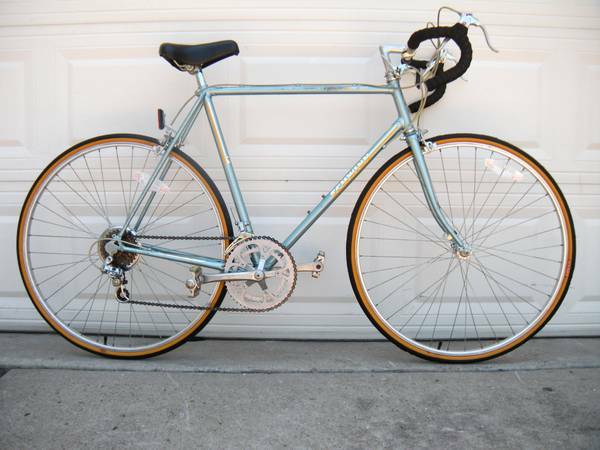 1984 Schwinn World Sport RoadBike - $230 (OBO 281-300-3362)