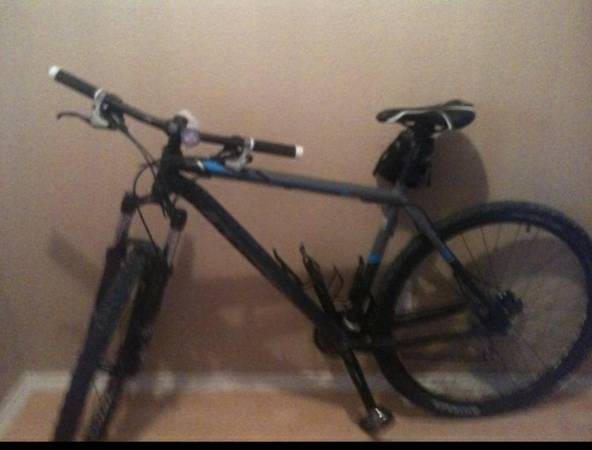 2011 GARY FISHER MAMBA 29er. 21 bike   - $750 (Cibolo)