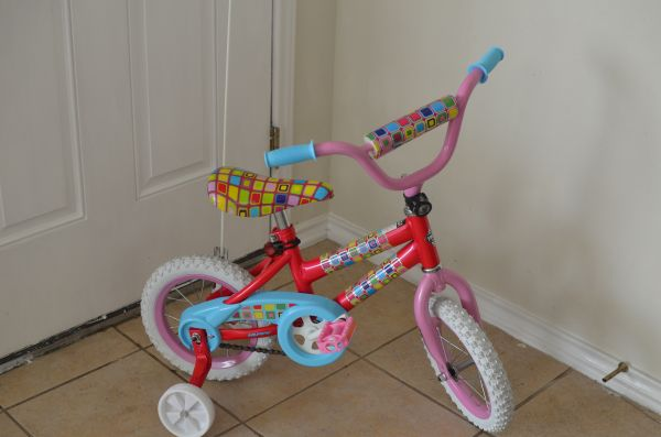 BRAND NEW Huffy So sweet 12 inch girls bike bicycle with extras - $50 (S.E. San Antonio)