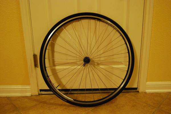 Road Bike Front Wheel 700x23c - $45 (San Antonio - Helotes)
