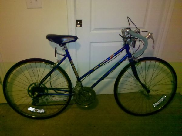 Free Spirit Womens 10 Speed Bicycle (50cm) - $125 (Airport)