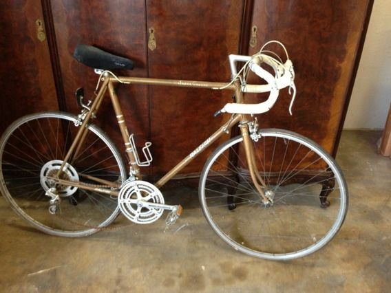 Vintage Raleigh Super Course road bike - $150 (410 and Broadway by airport )