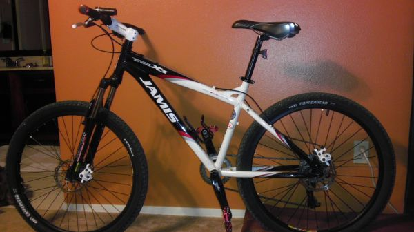 2010 Jamis Trail X3 Mountain Bike - $600 (North Central)