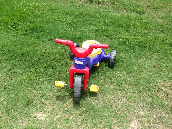 toddlers bikes (Lackland)