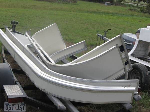 Pontoon boat Siding Fencing Rails - $50 (Seguin, Texas)
