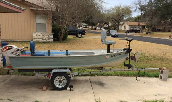 12 foot Aluminum Fishing Boat w 15HP Outboard Extras - x00241350 (Medical Ctr)