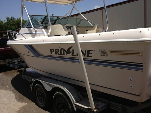 Proline cuddy fishing boat - $6400 (S.A.)