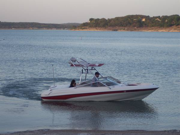 1998 BAYLINER SS CAPRI 2050 with WAKEBOARD TOWER - $8250 (Canyon Lake)