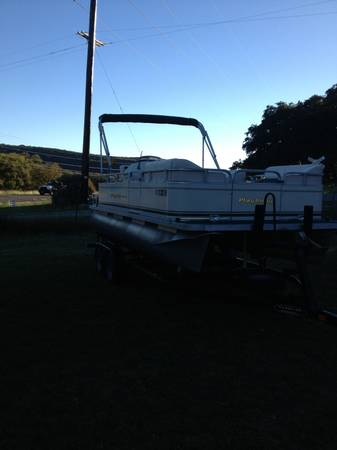 2003 Playbuoy Pontoon Boat - $7000 (Canyon lake)