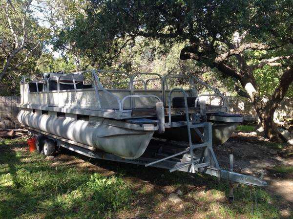 1986 24 foot Starcraft Pontoon boat - $2500 (Helotes)