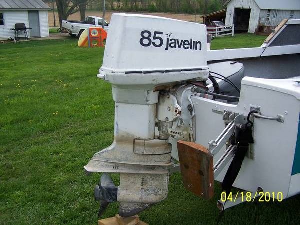 85 hp Johnson (Javelin) outboard motor with props, tilt trim, jack - x00241200 (new braunfels )