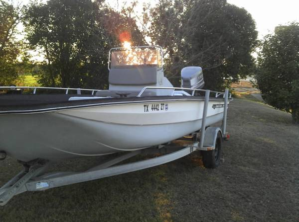 2239 Bayhawk Boat - x00244500 (San Antonio South side. )