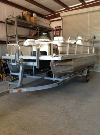 Pontoon pleasure-craft (a perfect party Fishing boat) - $14000 (willow city tx)
