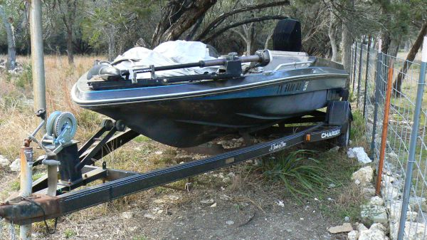 Project Bass Boat - $1800 (Bulverde)