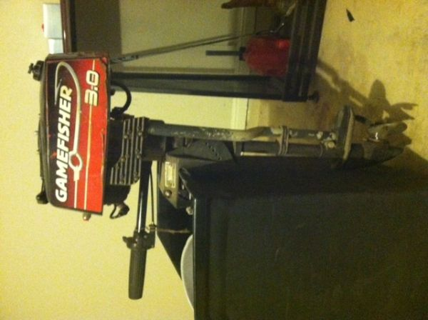 GAMEFISHER 3.0 HP OUTBOARD MOTOR - $400 (CIBOLO)