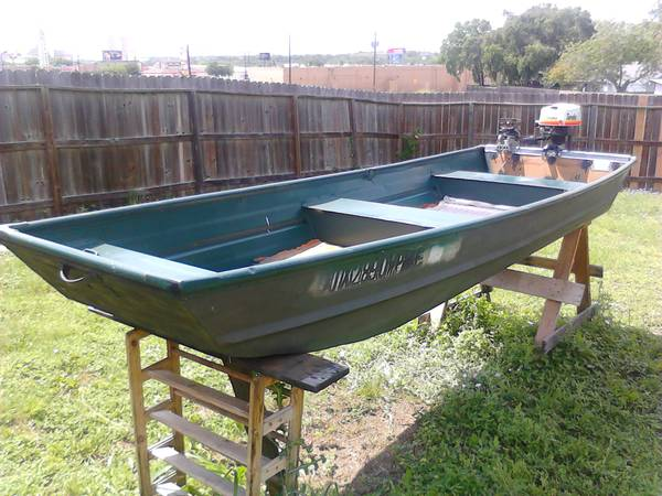 12ft Jon Boat, 3hp Motor, Trolling Motor, and Stand for sale - $500 (NE San Antonio)