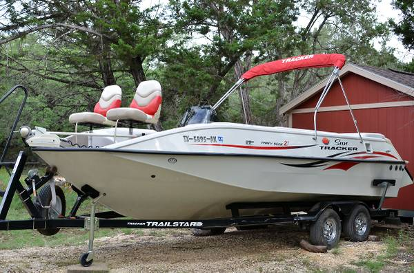 2007 Sun Tracker Party Deck 21 with matching trailer - $11000 (Boerne, TX)