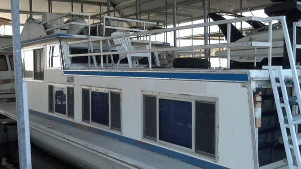 1973 Gibson Houseboat 42 Liveaboard Like Apartment Non-Running - $15000 (Austin In Lake Travis)