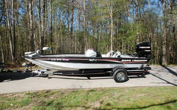 WOW FISHING boat Tracker 2007 Pro Team 190-tx Bass-Boat 90HP Merucry - $2150
