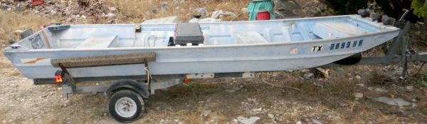 14 foot welded flat bottom jon boat w trailer - $600 (Canyon Lake 306)