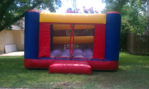 Moonbounce Rental - $55 (SeaWorld)