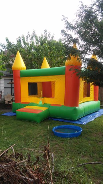 1 800  Castle Moonbounce for sale