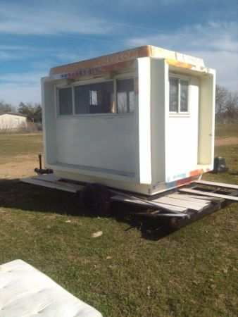 Snow cone or food trailer - $2000 (Cedar Creek)