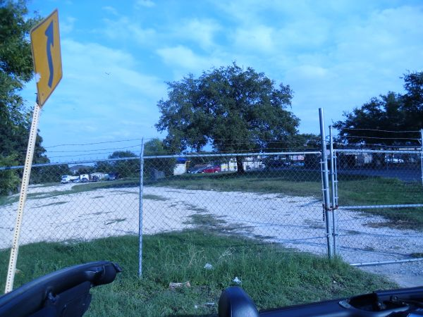 1.76 ACRES COMMERCIAL LAND FOR SALE - $265000 (POTRANCO)