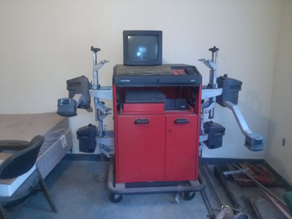 Hunter Model R611 Wheel Alignment (Cotulla, TX)