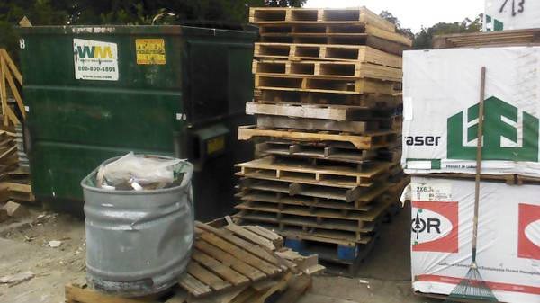 FREE PALLETS (4654 Rigsby Ave.)