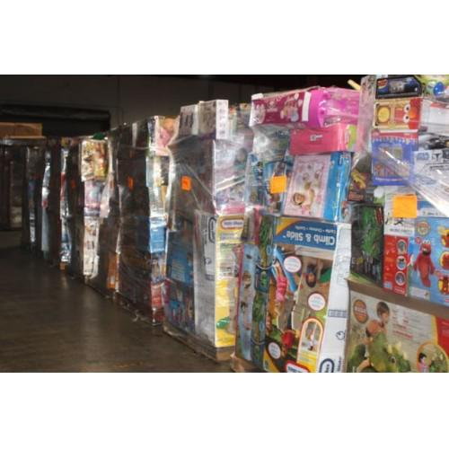 Free Overstock Merchandise Pallets for the Taking Eveything from TOOLS BABY ITEMS  more